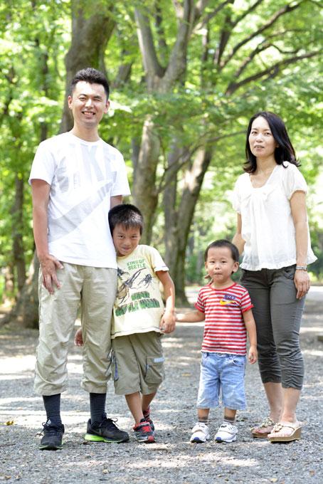 家族で記念撮影 (平成25年8月 井の頭公園にて)